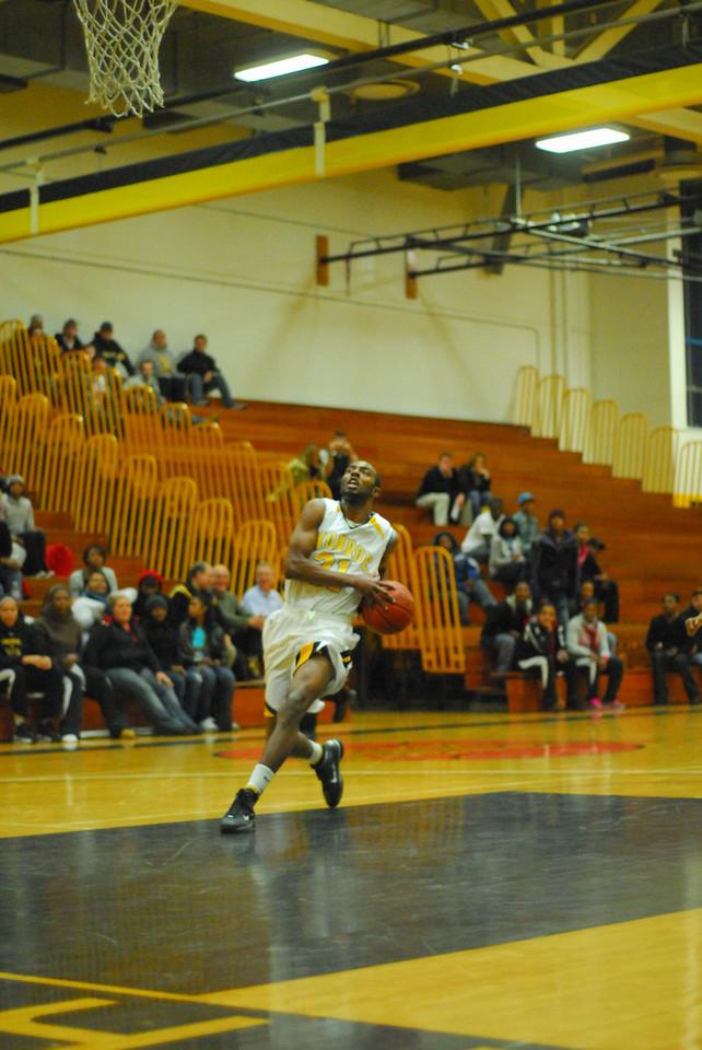 20100128_MCC Basketball_0114