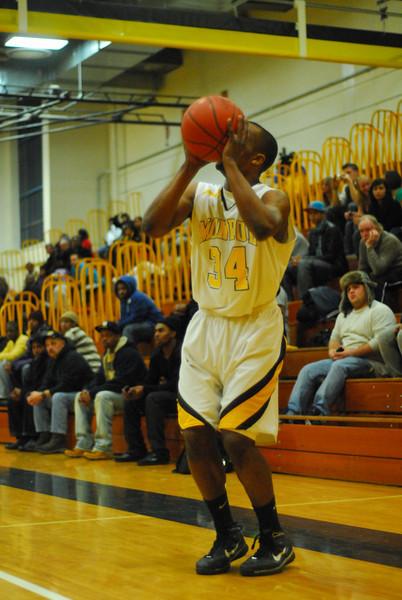20100128_MCC Basketball_9941