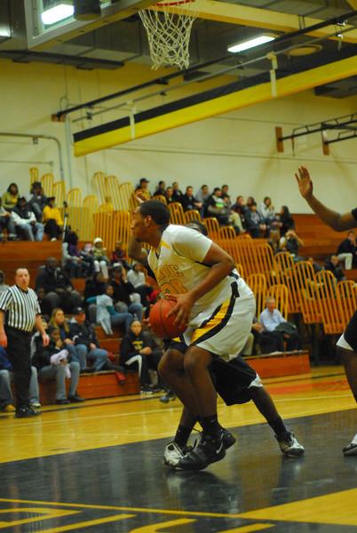 20100128_MCC Basketball_0053