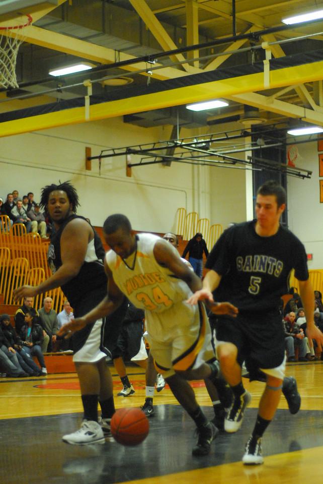 20100128_MCC Basketball_0084