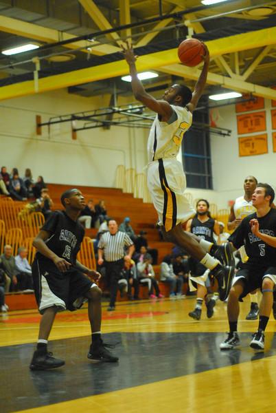 20100128_MCC Basketball_0091