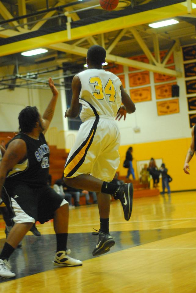 20100128_MCC Basketball_0100