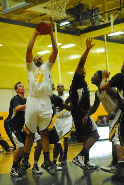 20100128_MCC Basketball_0025