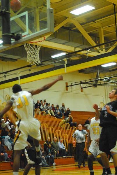 20100128_MCC Basketball_0094