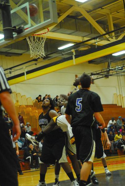 20100128_MCC Basketball_0034