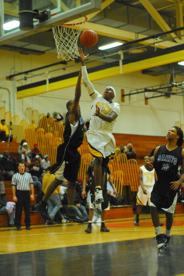 20100128_MCC Basketball_0133