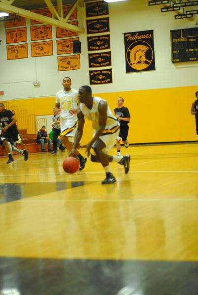 20100128_MCC Basketball_0039
