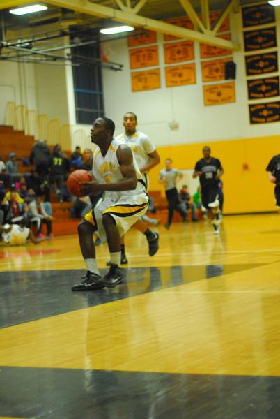 20100128_MCC Basketball_0041