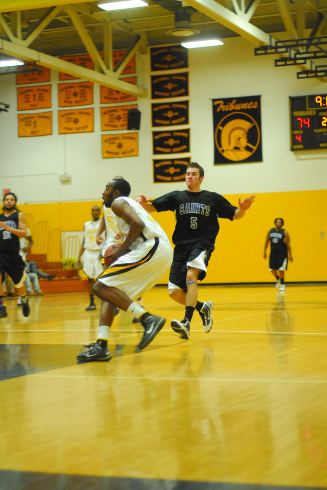20100128_MCC Basketball_0087