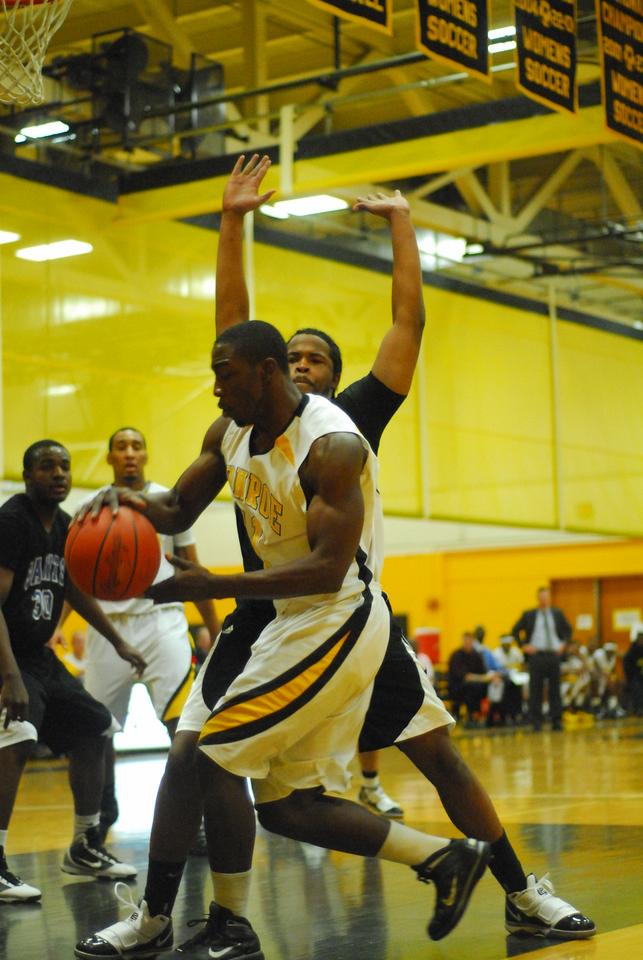 20100128_MCC Basketball_0012