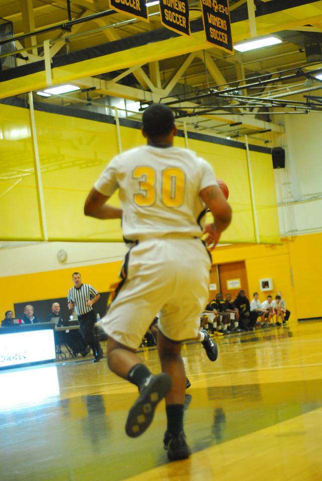 20100128_MCC Basketball_9944