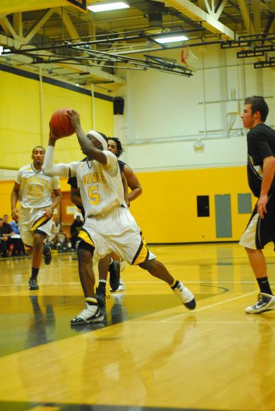 20100128_MCC Basketball_0005