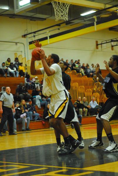 20100128_MCC Basketball_0054
