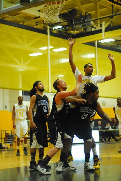 20100128_MCC Basketball_9981