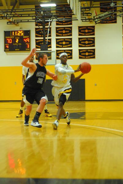 20100128_MCC Basketball_0079