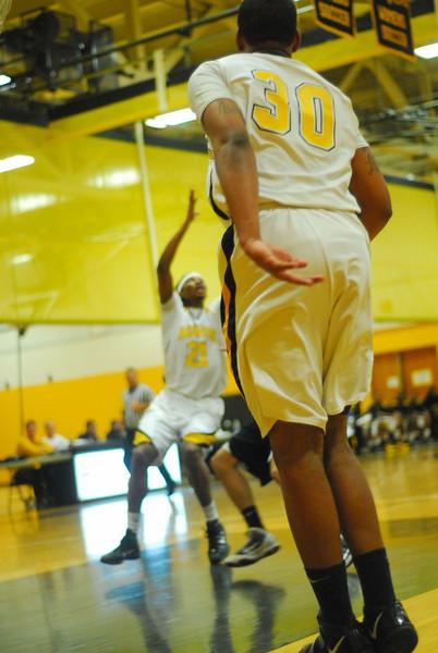 20100128_MCC Basketball_9946