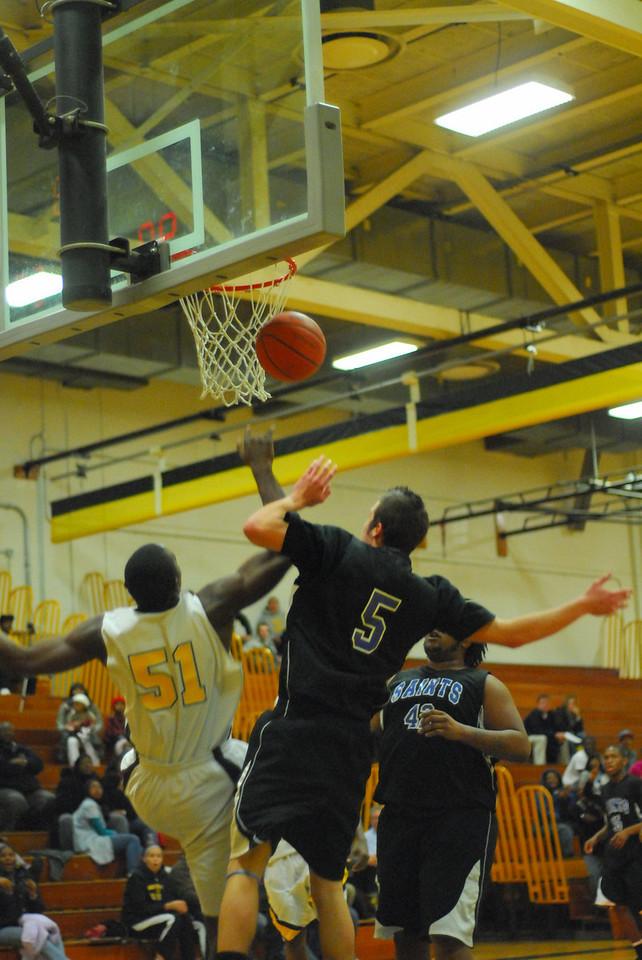 20100128_MCC Basketball_0131