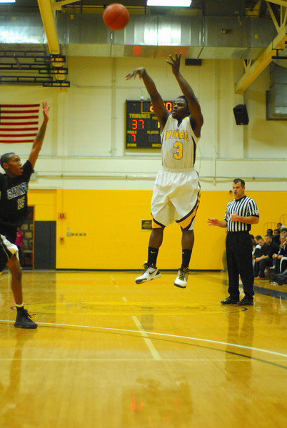 20100128_MCC Basketball_0023