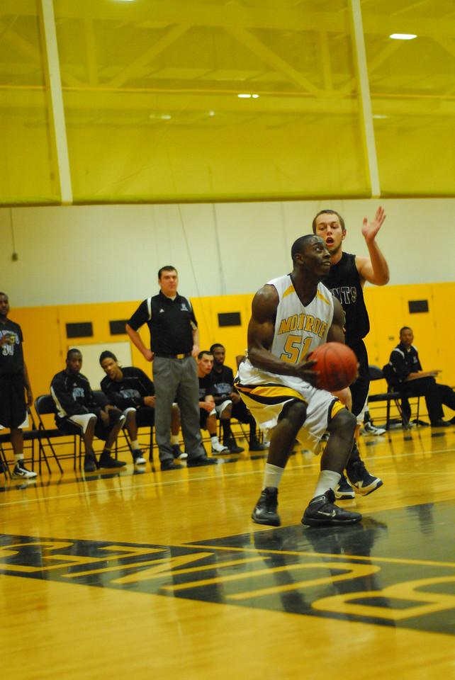 20100128_MCC Basketball_9971