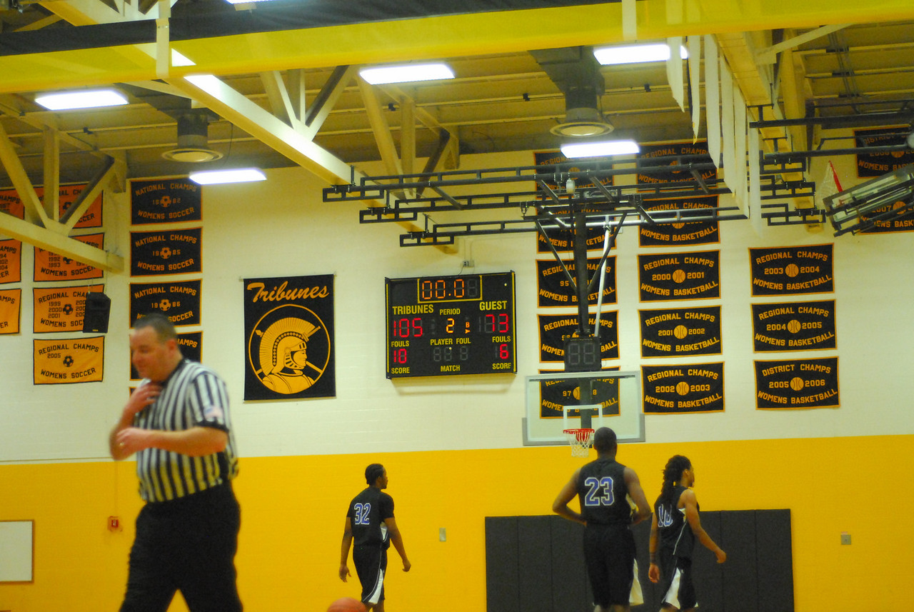 20100128_MCC Basketball_0143