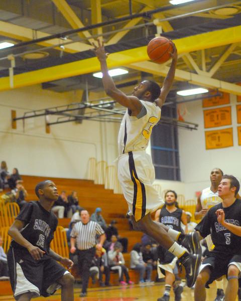 20100128_MCC Basketball_0091a