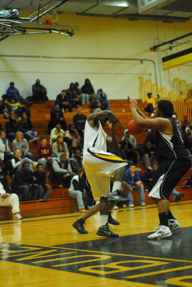 20100128_MCC Basketball_0109