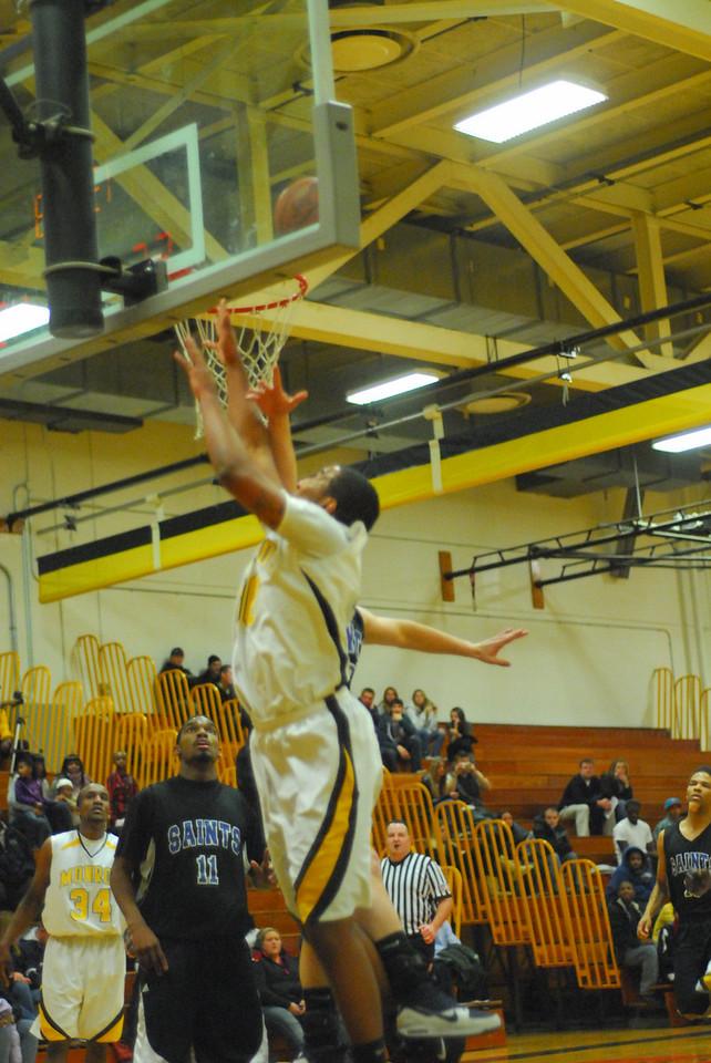 20100128_MCC Basketball_0068
