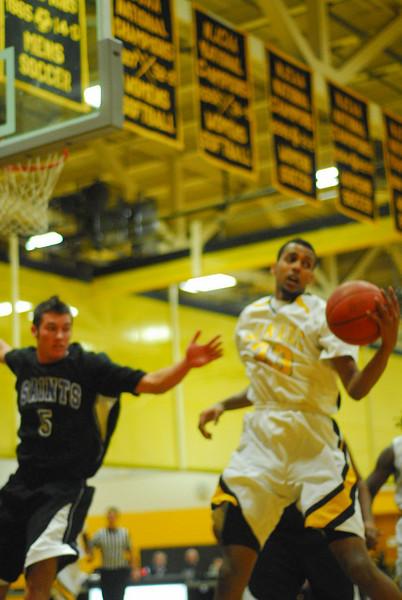 20100128_MCC Basketball_9952