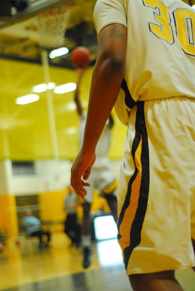 20100128_MCC Basketball_9949