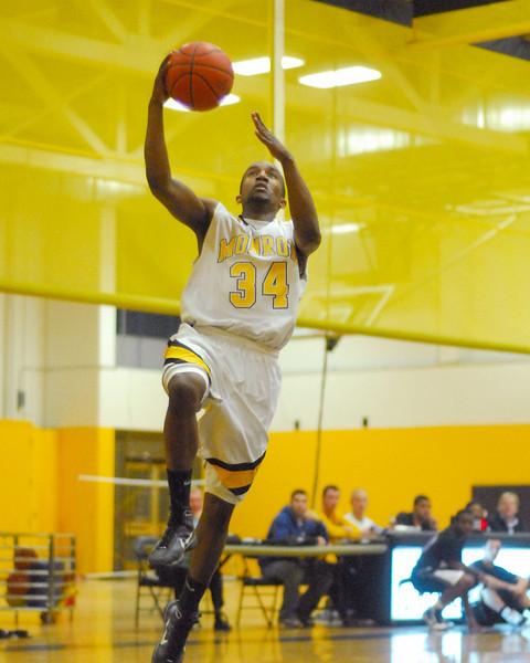 20100128_MCC Basketball_9997a