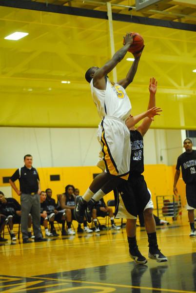 20100128_MCC Basketball_9973