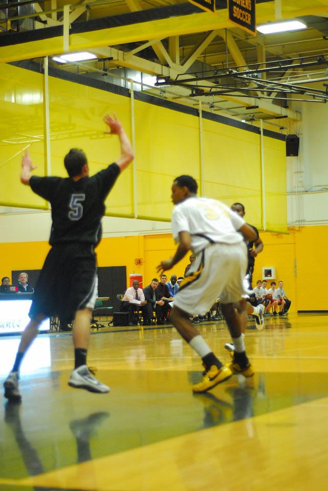 20100128_MCC Basketball_9955