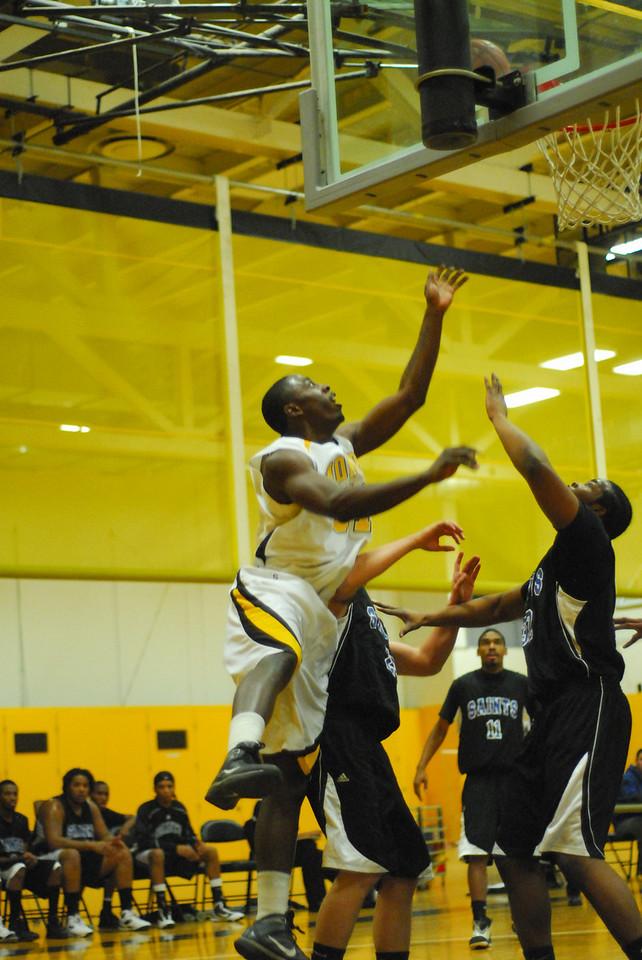 20100128_MCC Basketball_9975