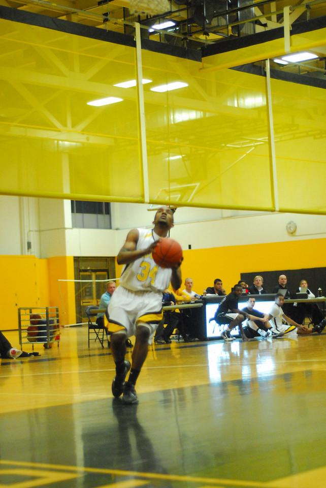 20100128_MCC Basketball_9996