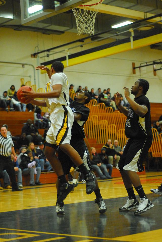 20100128_MCC Basketball_0055