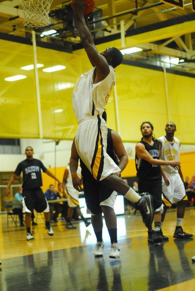20100128_MCC Basketball_9989