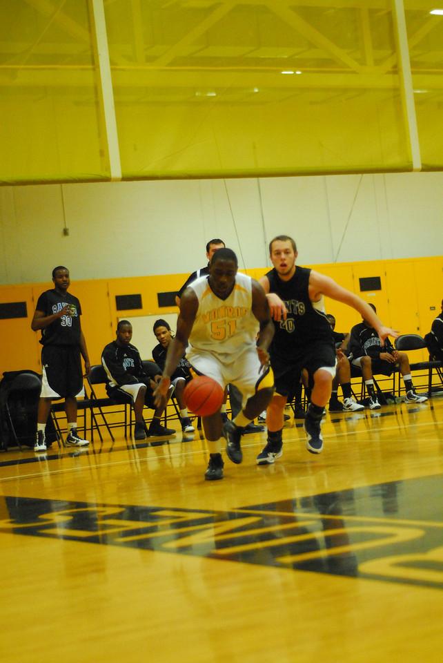 20100128_MCC Basketball_9969