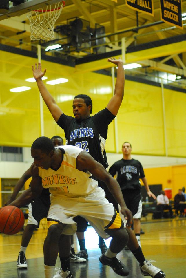20100128_MCC Basketball_0011