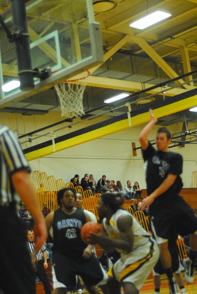 20100128_MCC Basketball_0028
