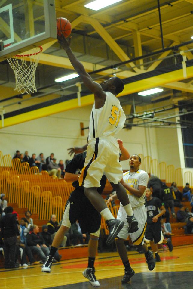 20100128_MCC Basketball_0044