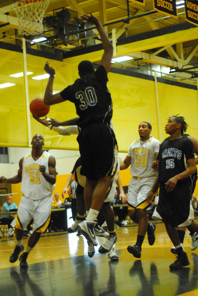 20100128_MCC Basketball_0008