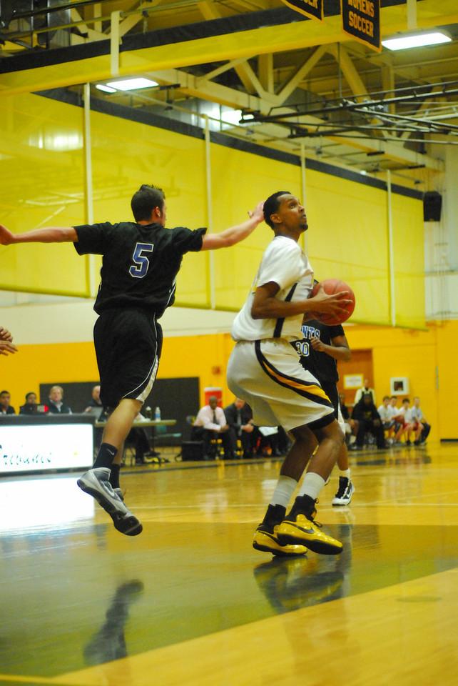 20100128_MCC Basketball_9956