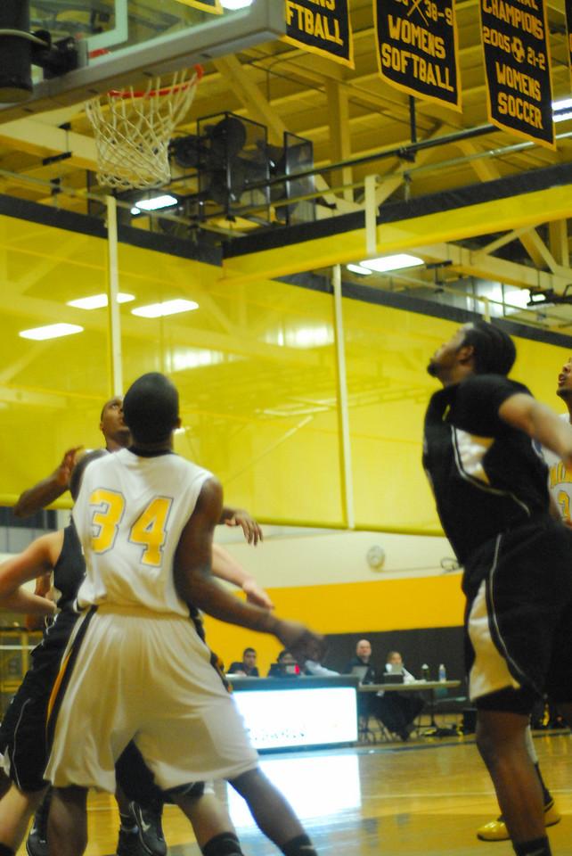 20100128_MCC Basketball_9966