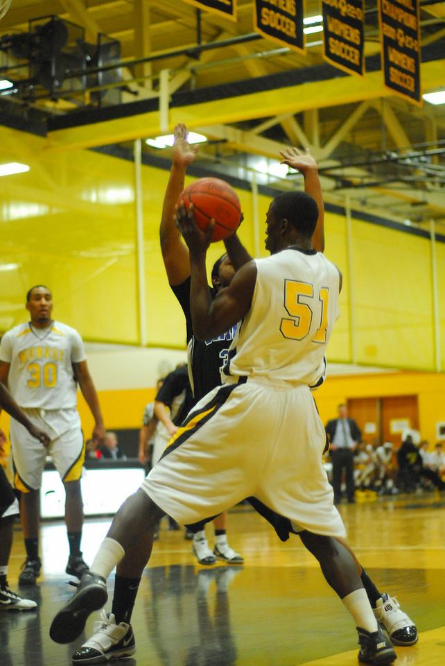 20100128_MCC Basketball_0010