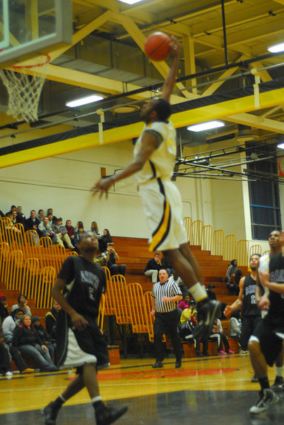 20100128_MCC Basketball_0092