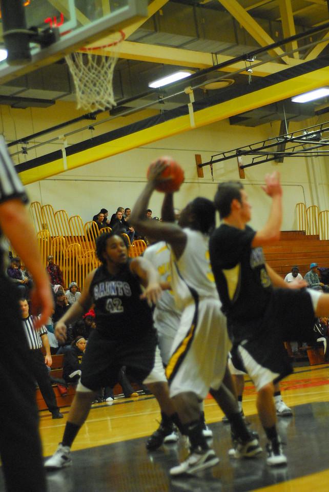20100128_MCC Basketball_0032
