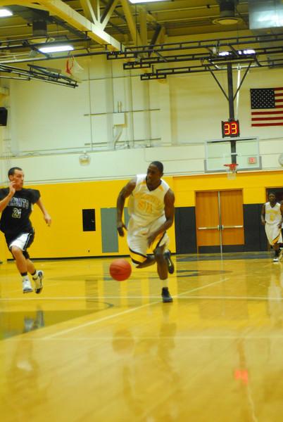 20100128_MCC Basketball_0015