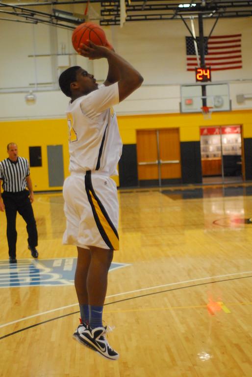 20120225_MCC Basketball_0199