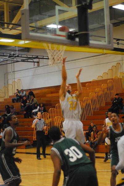 20120225_MCC Basketball_0224