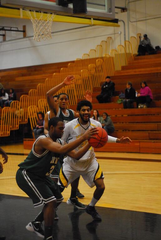 20120225_MCC Basketball_0275